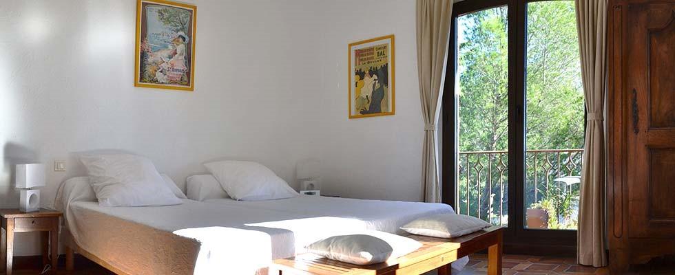Chambre de l'appartement T2 de Rosaland Saint Raphael